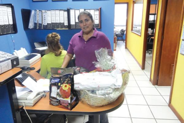 RS_entrega de cestas navideñas a solamin